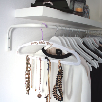 DIY: Aus Kleiderbügel wird Kettenhalter