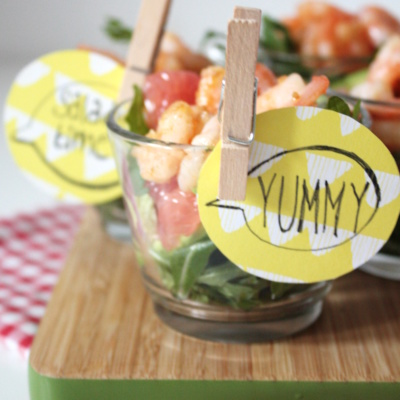 Frühlings-Soulfood im Gläschen: Avocado-Grapefruit-Salat mit Shrimps und Himbeer-Senf-Dressing