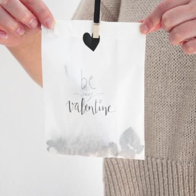 Gutschein verpacken zum Valentinstag