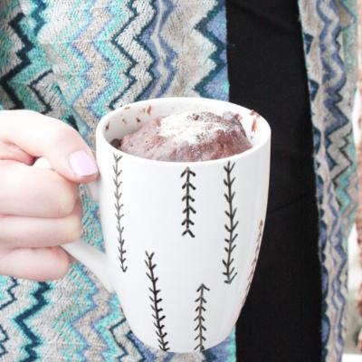 Geschenkidee zum Muttertag: Chai Mugcake in einer DIY Tasse