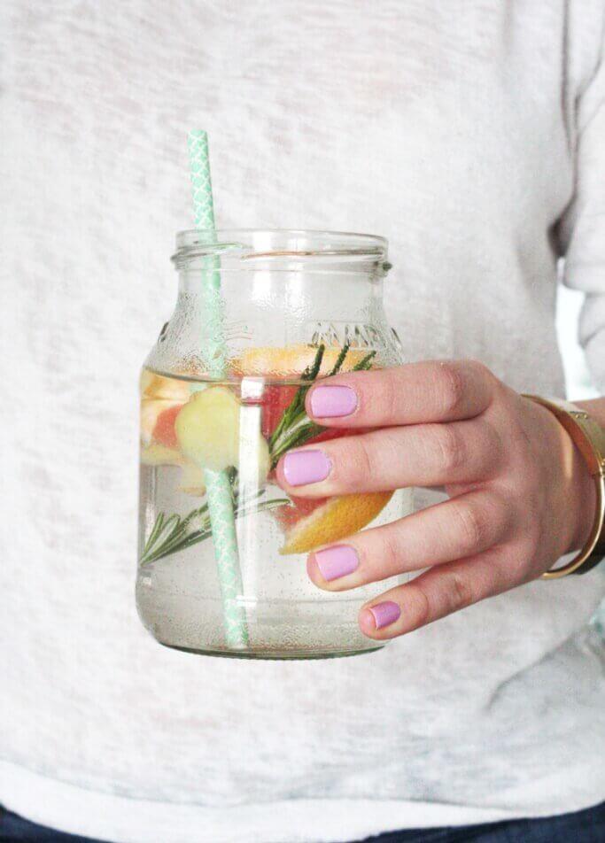 Mehr Wasser trinken: Diese 5 Tricks haben mir geholfen