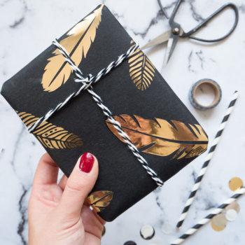 Wiederverwendbares Geschenkpapier selbermachen